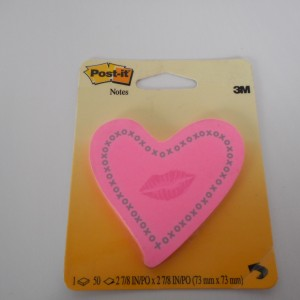 heart and kiss post it